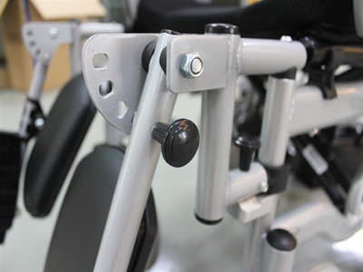 Multipurpose electric wheelchair (4)