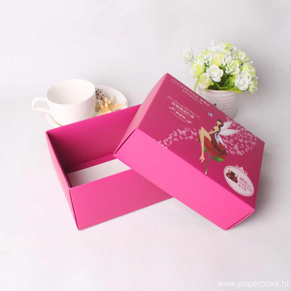 Wholesale Customized Kraft Paper Cosmetic Packing Box