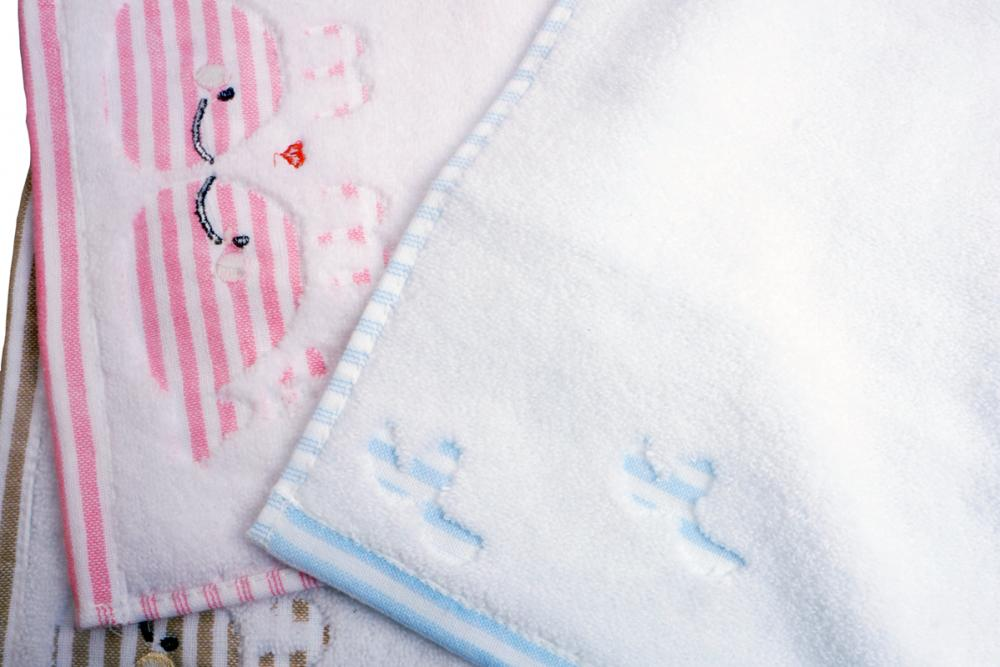Jacquard Has Little Dolphin Towels for Children