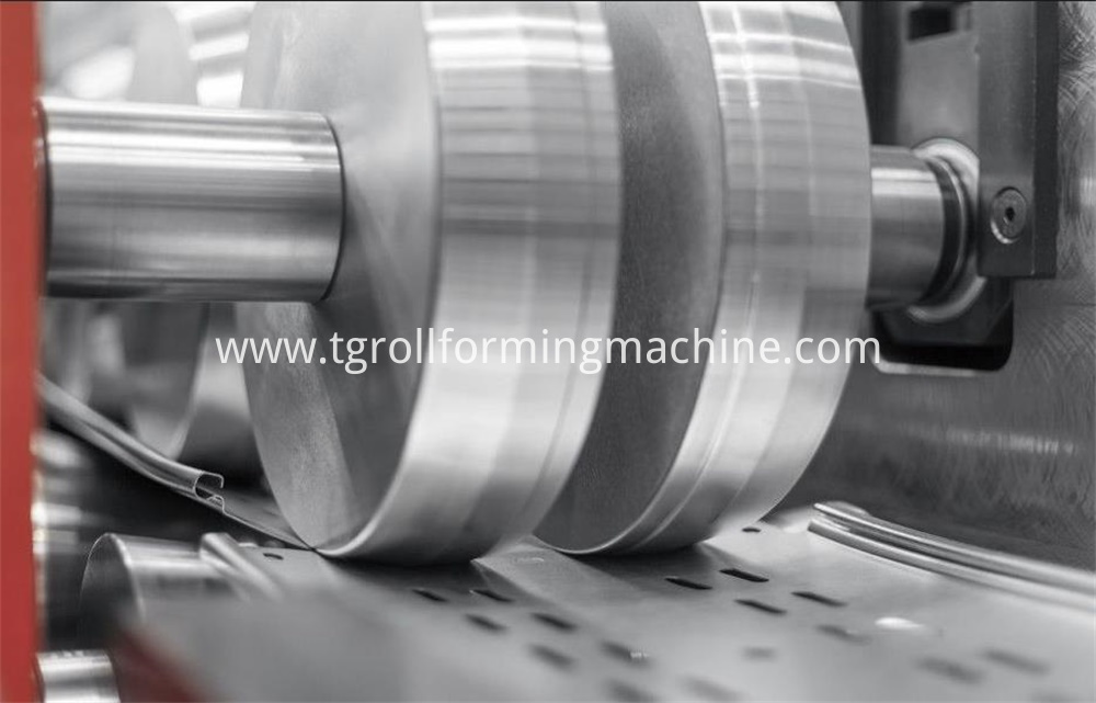 Aluminum Cable Tray Machine