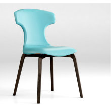 Replica Leather Montera chair by Roberto Lazzero