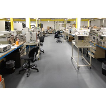 Laboratory ESD epoxy floors