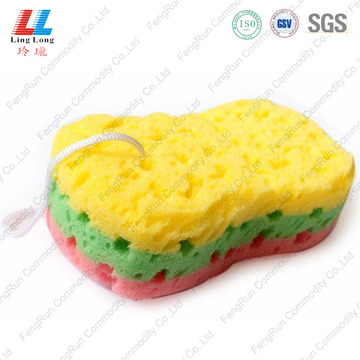 Gradient bulk sponge car cleaning