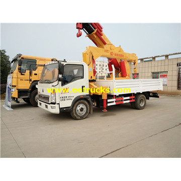 HOWO 4x2 5ton Truck with Cranes