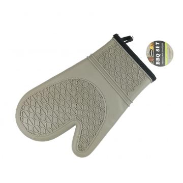 Gray patterned silicone oven gloves
