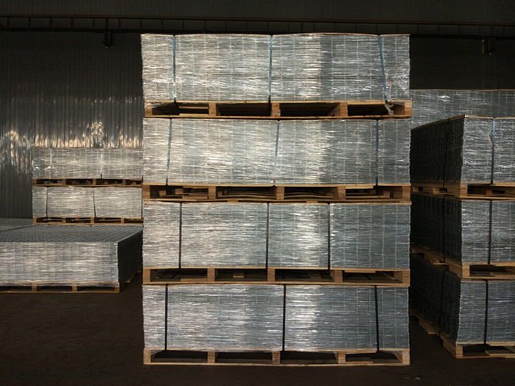 zinc-coated wire mesh