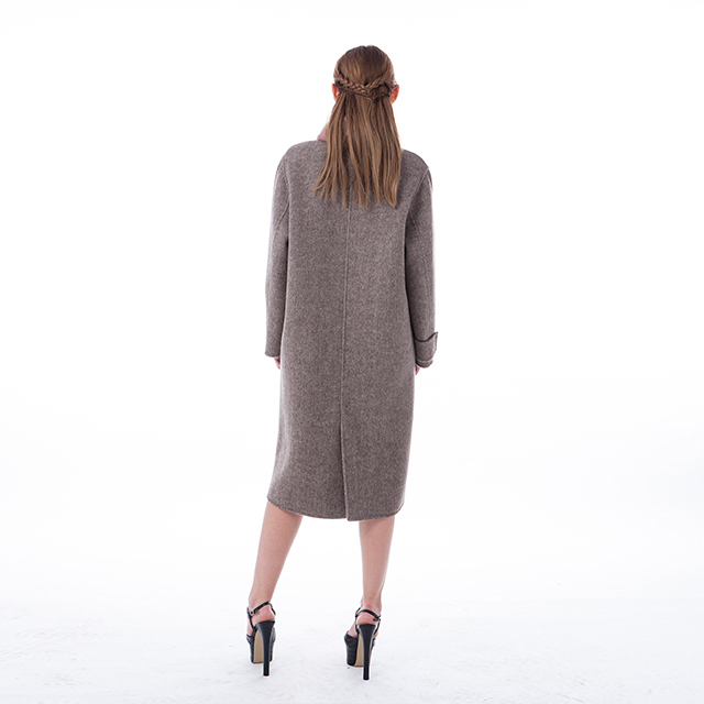 Cashmere winter wear with wool collar