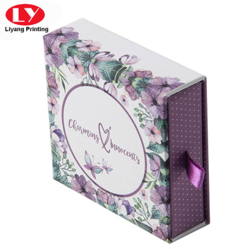 Purple paper necklace gift box