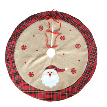 Christmas tree skirt with scottish style