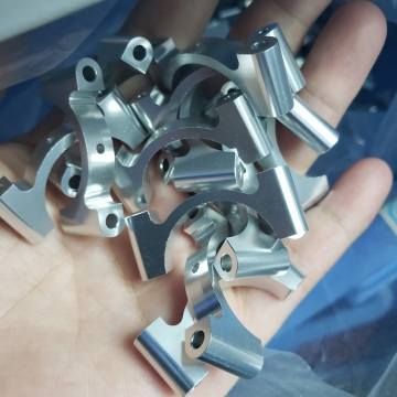 Ang aluminyo CNC tube clamp 16mm OD libre nga anodizing