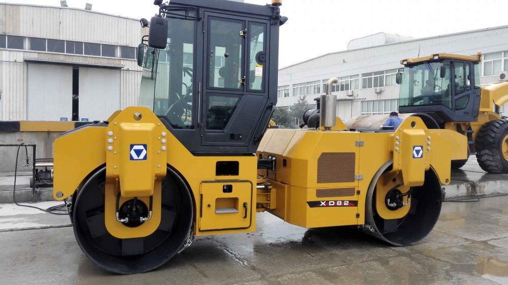2018 XCMG ROAD COMPACTOR DOUBLE DRUM  XD82