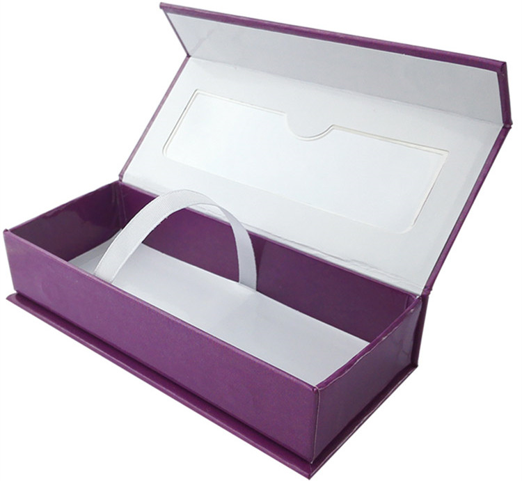eyelash box with magnetic closure