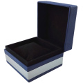 Single watch box with pillow