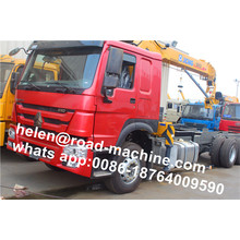 Good Quality for Small Crane For Truck HOWO Truck Chassis 2 Ton Crane Truck export to French Guiana Factories