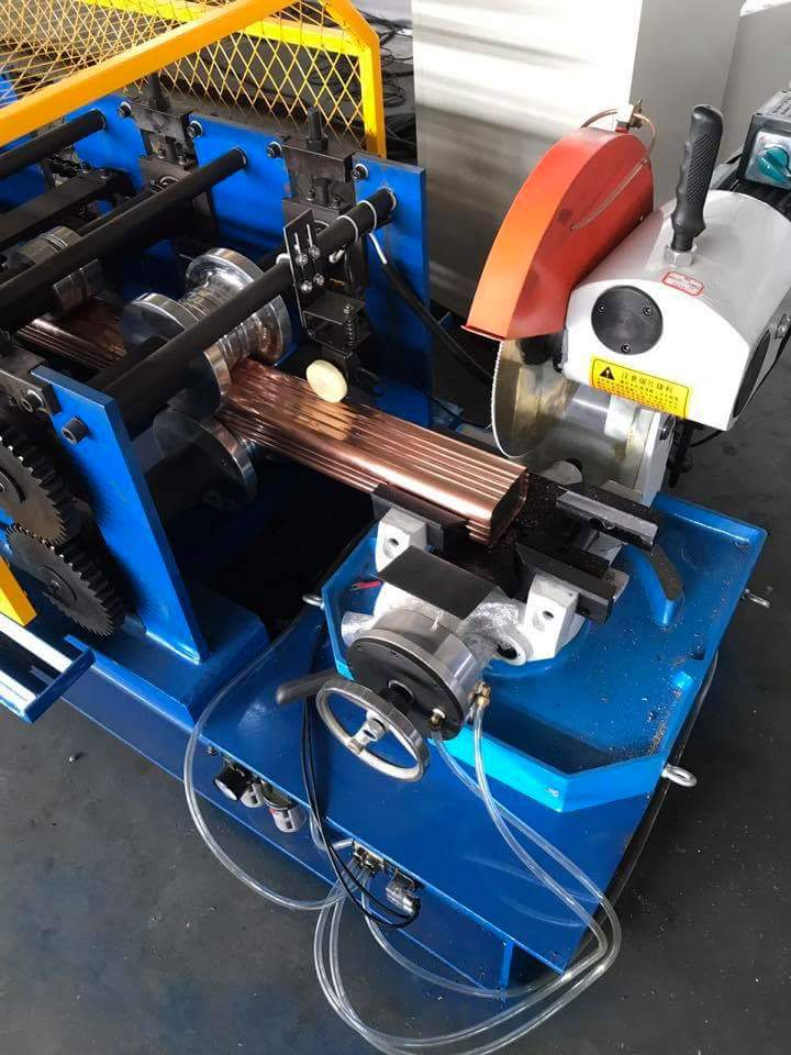 Flying Saw Cutting Downpipe Roll Forming Machine 2
