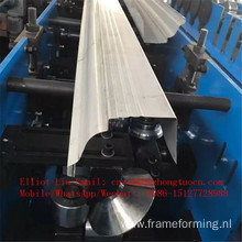 Seamless gutter machine