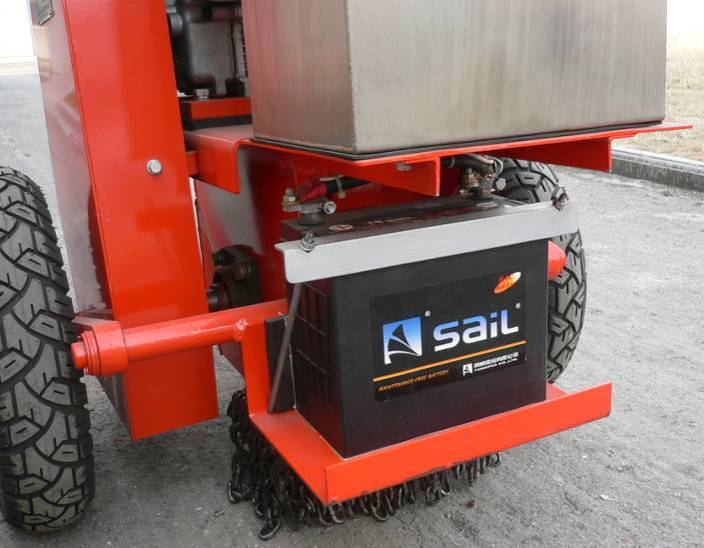 Asphalt pavement crack grooving machinery