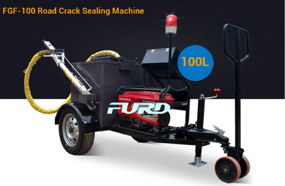 100L asphalt crack sealing and pavement repair machine adopts Italy diesel burner, mainly used for irregular cracks of asphalt pavement,concrete pavement, bridge expansion joints, sewer, gas pipe buried and paving road links waterproof processing.