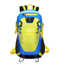 Multifunction and large space travel knapsack