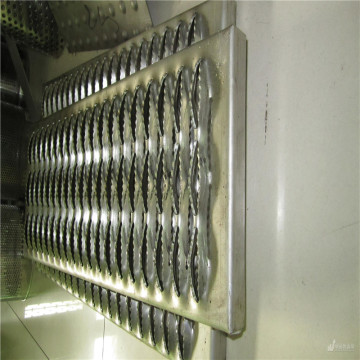 Anti Skid Perforated Stair Safety Tread Sheet