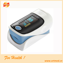 Finger pulse oximeter with rotatable display