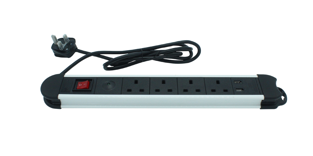 British 4-Outlet Power Strip USB Charger