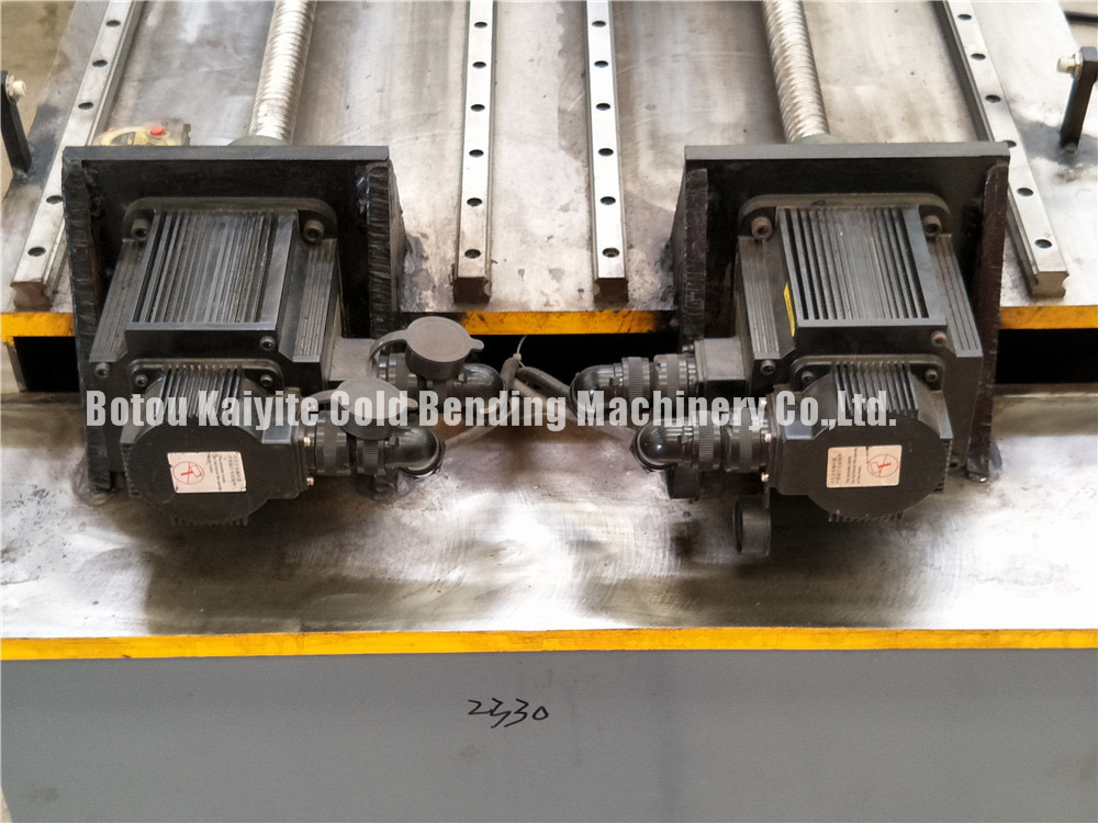 Roll Forming Machine With High Speed