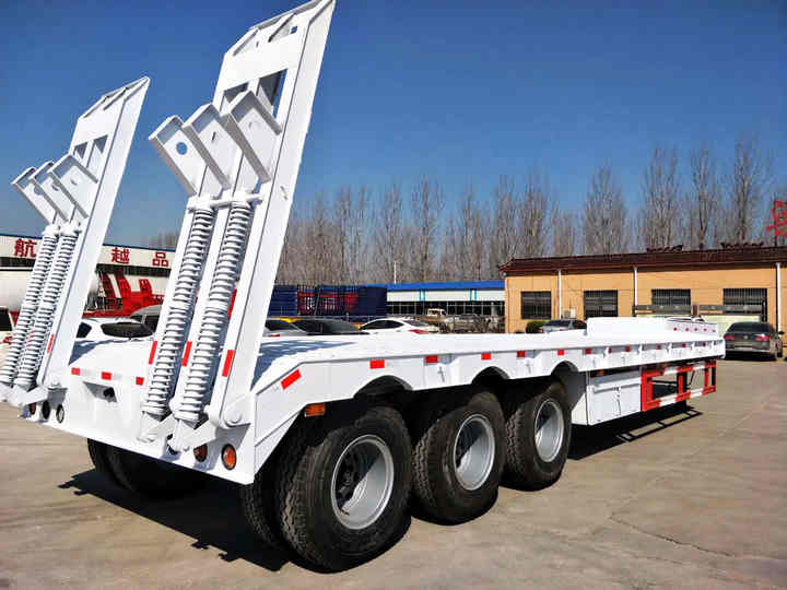 Low Bed Transport Semi Trailer Trucks With Capacity 60 T Semi Low Boy Trailer