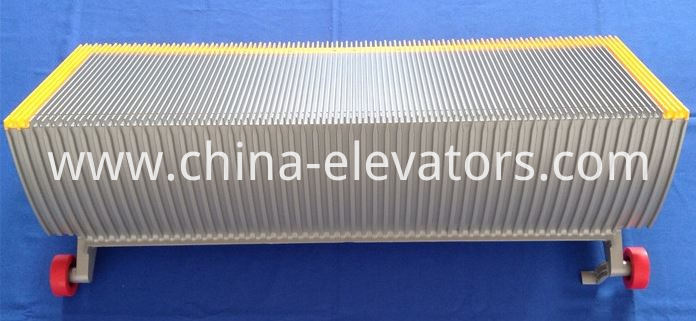 Aluminum Step for Schindler 9300 Escalator with three sides yellow border