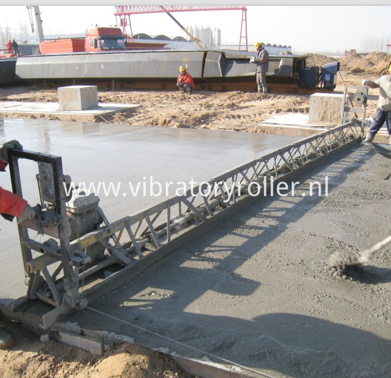 Concrete Vibrating Screed