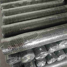 China OEM for hot dip galvanized hexagonal wire mesh electric galvanized farm chicken wire net rolls export to Libya Manufacturers