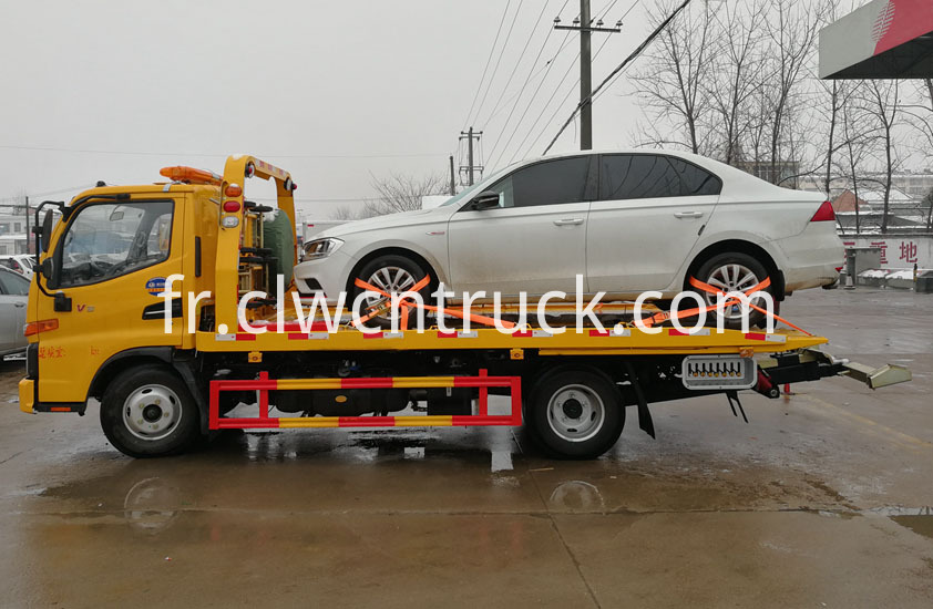 Flatbed Towing vehicle 5