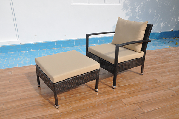 Outdoor Patio Wicker Ottomans Set