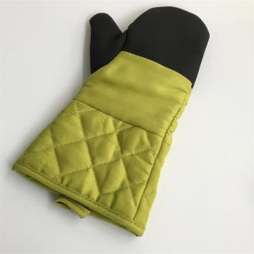 Oven Gloves with Quilted Cotton Lining