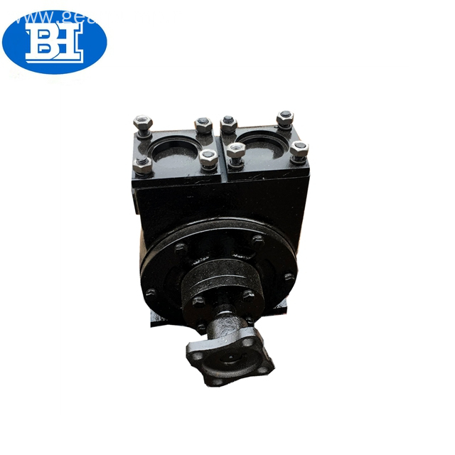Self-priming fuel oil sliding vane pump/lube oil pump