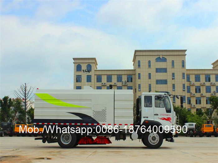 HOWO Vacuum Suction Dust Collection Truck for Cambodia