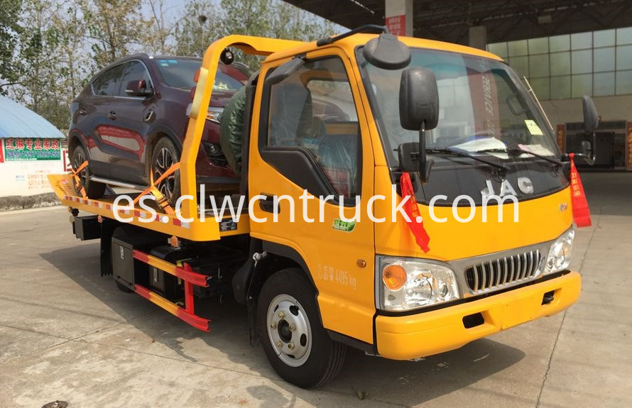wheel lift towing vehicles 3