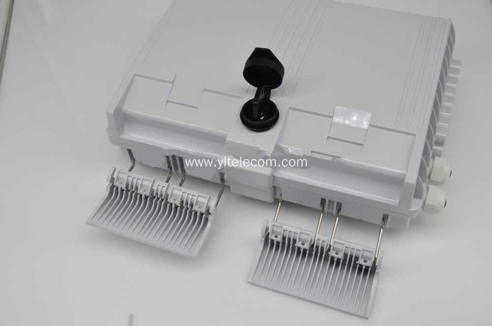 16 Core Fiber Optic Outdoor Junction Box Termination Box with 2 Clamps