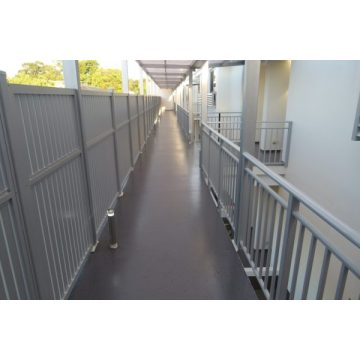Aisle epoxy non slip coating