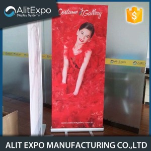 Retractable promotional advertising roll up banner