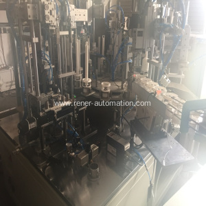 Plastic hardware product assembly machine