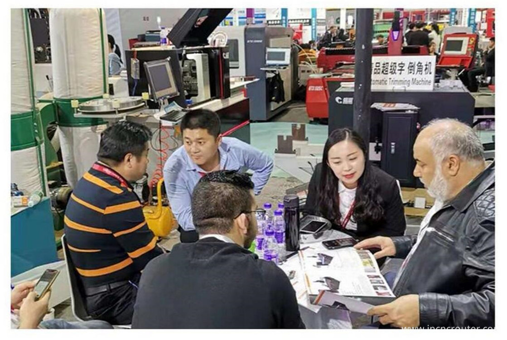 discuss details in guangzhou d pes exhibition