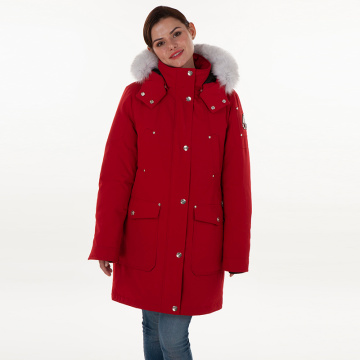 Veste en duvet rouge à simple boutonnage