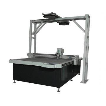Carton package cutter machine with oscillating knife