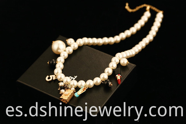 Women's Choker Pearl Necklace