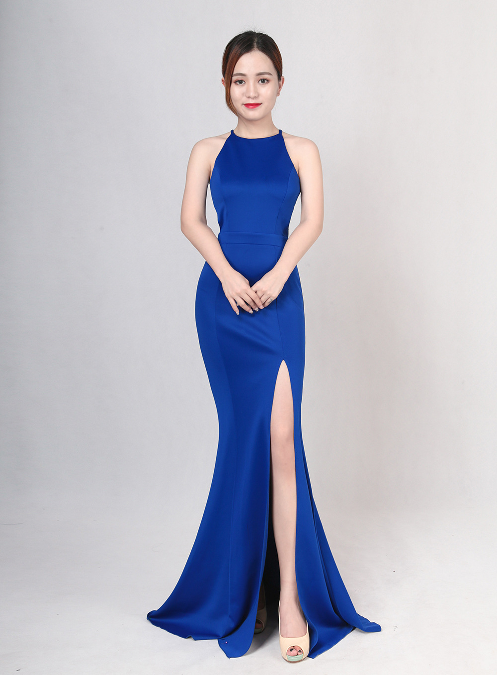 The wedding evening gown for the bride's wedding banquet in 2017