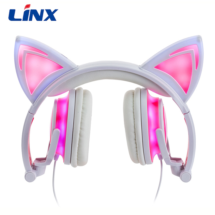 Glowing cat ear headphone